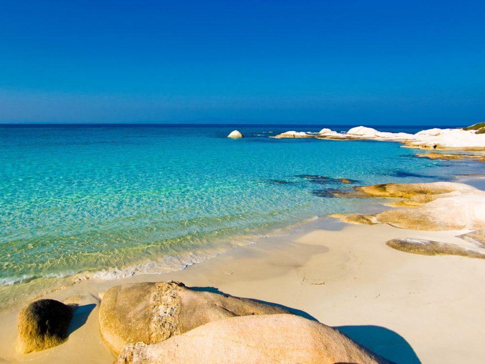 Ситония отели на пляжах с белым песком